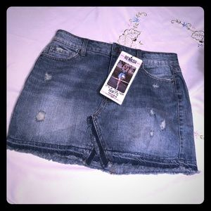 Mini Levi skirt with tags